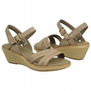 Whittier Sandal Sandals (Warm Grey) - Women&#39;s Sand